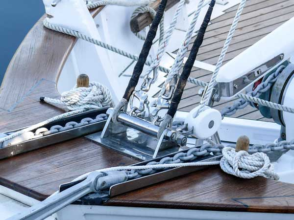accastillage-bateau-equipement-navire